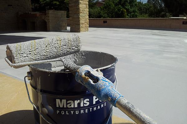 серая жидкая гидроизоляция Maris Polymers